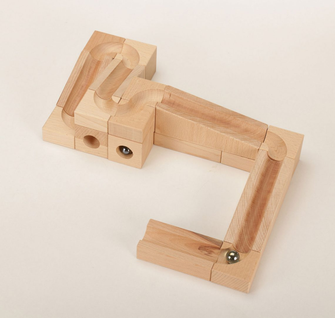 6-marbel wooden toy